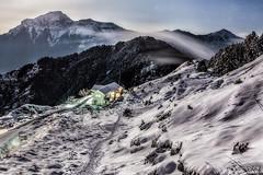 月光雪景 (wen long (文隆)) Tags: 5d2 canon 合歡山 雪景 月光 合歡山莊 雲瀑