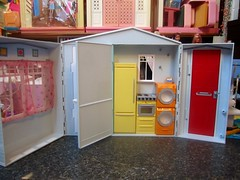 totally real fold up house d (wpnschick) Tags: mattel barbiehouse totallyrealfolduphouse