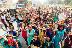 Thousands Dancing at Indian Wedding (AdamCohn) Tags: street wedding girls party india adam dusty dancing indian crowd streetphotography desi massive bollywood bordi bhangra saris cohn indianwedding sarees adamcohn wwwadamcohncom