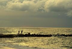 Fotografiando (camus agp) Tags: nubes olas viento españa costa mediterraneo