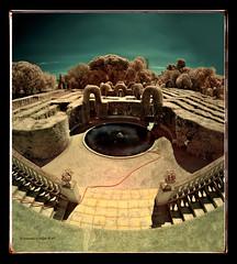 Laberint (Ar@lee) Tags: barcelona horta laberint fotografíainfrarrojos fullspectrum espectrecomplet photographyinfrared paisatges filtre720nm airelibre exteriors ir d50 nikond50 panorámica domenicobagutti antonideszanjas marquesdellupiàianfarràs