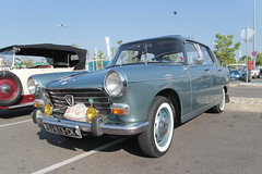 Peugeot 404 (xwattez) Tags: auto old france car french automobile centre parking voiture commercial transports 404 peugeot ancienne 2015 franaise vhicule labge rassemblement