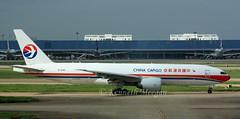 B-2082 (Ken Meegan) Tags: shanghai cargo boeing pudong 777 shanghaipudong boeing777 b777 37716 b2082 chinacargoairlines 777f6n b777f6n boeing777f6n 2392013