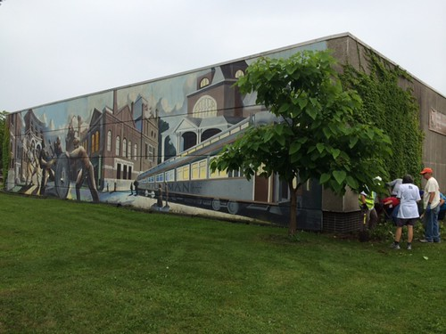 FindYourVoice volunteers sprucing up Pullman National Monument's visitor center