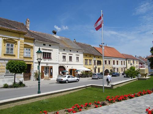 Ruszt, Conradplatz épületei