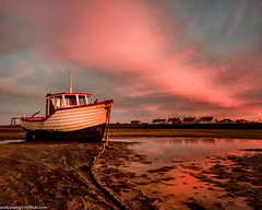 Meols Beach Sunset (8 of 14) (andyyoung37) Tags: boat meolsbeech merseyestuary beach greatsky sunset thewirral meols england unitedkingdom gb