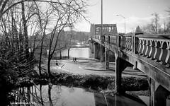 A walk over the bridge - film (JSB PHOTOGRAPHS) Tags: minolta x9 35mmfilm colorfilm expiredfilm expiredfilm2013 film filmcamera filmphotography kiron 28200mm epsonv600 epson v600 minoltax9kiron28200mm093 springfield bridge oregon bw blackandwhite willametteriver