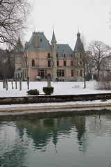 Schloss Schadau  ( Baujahr 1846 bis 1854 - château castle castello ) am Ufer des Thunersee bei Thun im Berner Oberland im Kanton Bern der Schweiz (chrchr_75) Tags: albumzzz201701januar christoph hurni chriguhurni chrchr75 chriguhurnibluemailch januar 2017 hochformat schweiz suisse switzerland svizzera susisa swiss schloss castle château castello kasteel 城 замок castillo mittelalter geschichte history gebäude building archidektur albumschweizerschlösserburgenundruinen albumschlösserkantonbern bern berne berna bärn schlossbern schlosskantonbern chrchr chrigu suissa sveitsi sviss スイス zwitserland sveits szwajcaria suíça suiza kantonbern kanton berner oberland berneroberland thunersee alpensee see lake lac sø järvi lago 湖 albumthunersee albumregionthunhochformat thunhochformat