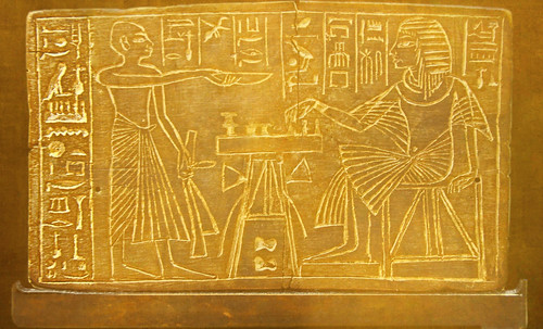 "Senet - Lujoso sistema de objetos lúdicos obsequio del dios Toht a la faraona Nefertari • <a style=""font-size:0.8em;"" href=""http://www.flickr.com/photos/30735181@N00/32521951035/"" target=""_blank"">View on Flickr</a>"