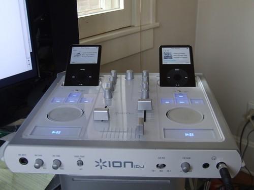 iDJ iPod DJ Mixer 1