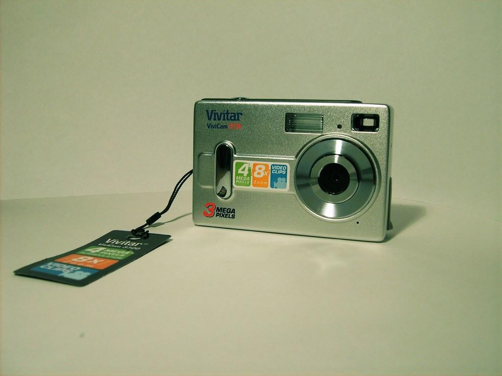 Vivitar 3720 Digital Camera