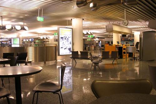 مطار فرانكفورت الدولي 114408352_ef8bbf522a.jpg