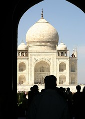 Taj Mahal (Chrissie64) Tags: urban india architecture buildings architechture flickr tomb tajmahal icon mausoleum iconic urbanlife iconicbuilding worldicon iconicstructure