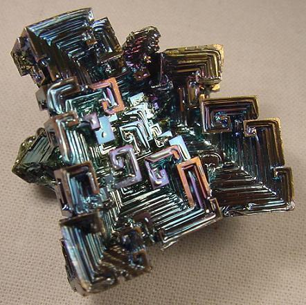 interesante Cristal de Bismuto
