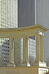 modern classicisms (L_) Tags: chicago 1955 monument architecture michigan columns michiganave replication millenniumpark 1973 prudential aon 1917 aoncenter standardoilbuilding edwarddurrellstone perkinswill awalkdownmichiganavenue michiganavenute millenniummonument oneprudentialplaza naessmurphy