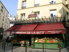 Au March de la Butte - Paris (France) (Meteorry) Tags: red paris france fruits shop rouge store europe butte display montmartre 1956 grocery groceries march lgumes amlie jeanpierre jeunet poulain cremerie meteorry amliepoulain collignon ruedestroisfrres