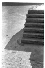 2000-00-03-08A (bev8) Tags: bw stairs concrette