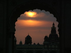 Mysore palace (Peter Hessel) Tags: india mysore palace sunset