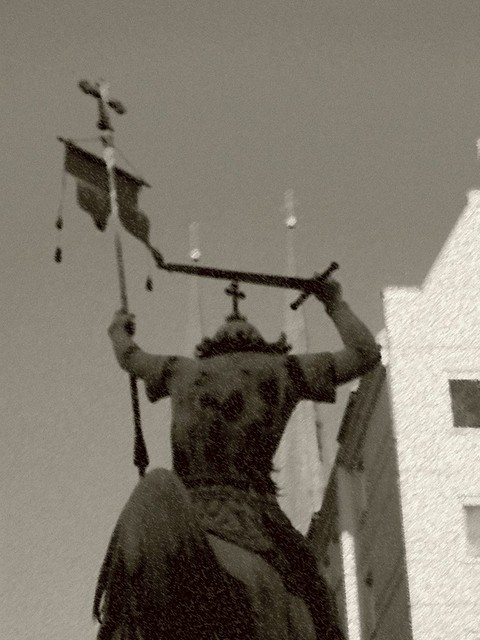Sint Joris of Don Quichote? Q like Quichote