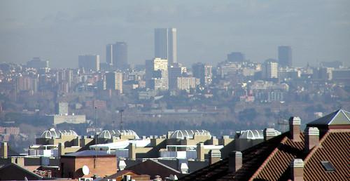 ¡Bonus! Desde Pozuelo se ve la nube de mierda verde que flota sobre Madrid. Vivimos dentro de esa atmósfera :-S