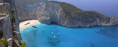 ship wreck (Cappellaio Matto) Tags: blue sea beach mare ship hellas greece grecia spiaggia relitto zacinto abigfave