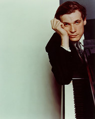 glenn gould (bwv 1017) Tags: music perfect bach passion piece classicmusic magnificient glenngould johannsebastianbach