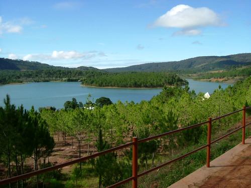 Vista de un Lago en Dalat