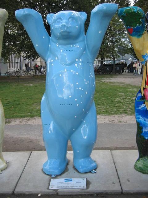 "A blueper! (A for ""A Blueper"", Berlin A-Z)"