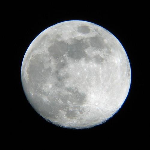 Full moon, telescope style