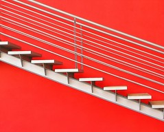 Upstairs, downstairs (Sergio Lubezky) Tags: red stairs mexico interestingness bravo top accepted1of100 continuum interestingness2 lubezky sergiolubezky explore16jan06 nikonstunninggallery thegalleryoffinephotography