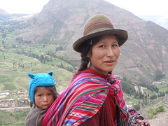 Mother and Child (quinet) Tags: peru andes nina sombrero sacredvalley quechua перуанцы