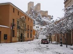 Almansa nevada (Guervs) Tags: espaa snow castle spain nieve castillo ciudadreal jackfrost castilla almansa