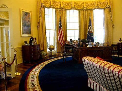 The Clinton Oval Office, Little Rock, Arkansas by hanneorla.