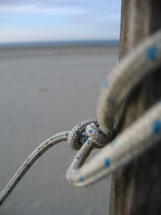 (MaureenduLong) Tags: beach wire zeeland maureen flickrettes