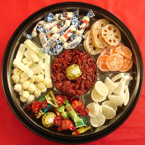 Chinese New Year candy tray by hale_popoki.