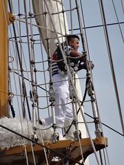Cuauhtémoc @ Marseille (Hélène_D) Tags: sea mer france port harbor boat marseille paca provence bateau mediterraneansea vieuxport voilier méditerranée sailingboat bouchesdurhône merméditerranée provencealpescôtedazur cuauhtémoc hélèned