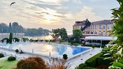 Morning at Cipriani (Fyodor & Mila) Tags: morning sunrise belmond hotel cipriani giudecca venice venezia pool zwembad zonsopgang ochtend zwaluw rondine swallow venetië italië italy italia