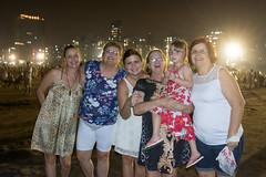 Ano Novo em Santos (Stefan Lambauer) Tags: anonovo people family newyear reveillon fogos fireworks gonzaga praia beach mar stefanlambauer sea 2017 brasil brazil santos sãopaulo br