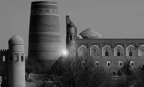 "Torres legendarias / Faros, minaretes, campanarios, rascacielos • <a style=""font-size:0.8em;"" href=""http://www.flickr.com/photos/30735181@N00/31722256573/"" target=""_blank"">View on Flickr</a>"