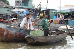 Active trading on the Mekong River (Stephan Oliver Suter) Tags: vietnam mekong mekongriver trade river floatingmarket