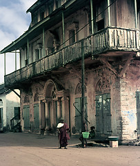 ANTICA CASA AD ABIDJAN (ADRIANO ART FOR PASSION) Tags: africa ricordi vecchieimmagini oldphotos abidjan cotedivoire residenza residenzacolonialefrancese lungolavia street casa house