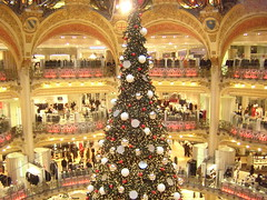Galeries Lafayette Department Store Interior - Christmas Tree - Paris France - December 2007 (firehouse.ie) Tags: gallerieslafayette galleries lafayette theholidays itschristmas tree paris france december 2007 travel trp vist fancais christmas holidays chistmastime city sights tourist