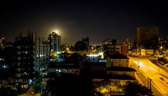 Vista da Janela (soares.rodrigo@ymail.com) Tags: lua noite portoalegre rodrigo soares anoitecer cidade luzes riograndedosul
