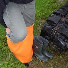 Chameau-oliv-Baustelle2871.B (Kanalgummi) Tags: sewer exploration rubber waders chestwaders wathose worker égoutier kanalarbeiter bomber jacket bomberjacke