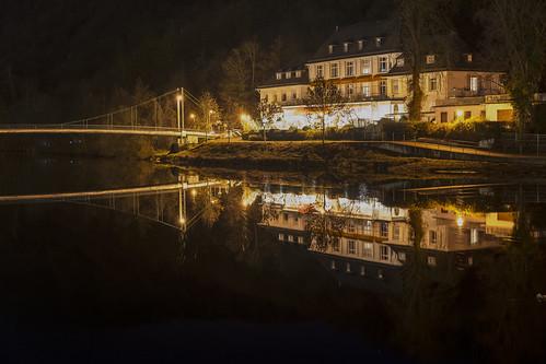 Quellenhof bei Nacht