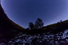 Il cratere e le stelle (LifeReporter) Tags: vesuvio tramonto stelle colatalavica natura cratere neve lava paesaggio isole notte inverno napoli italia