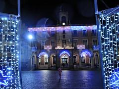 Fachadafondo_DSCN3651 (darioalvarez) Tags: luces festivas iluminación lucesnavideñas plazamayor zamora castillayleón españa spain viajes invierno cultura 31dediciembre2015