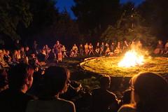 Veille conte autour du feu (StLesO) Tags: feu ambiance spectacle chiny conteur veille