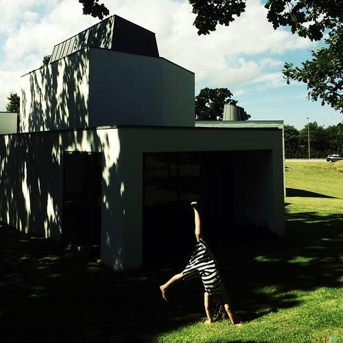 Museum somersault