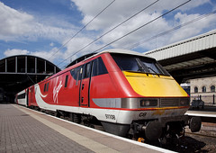 91108 Newcastle 08/08/2015 (Flash_3939) Tags: uk roof red white station electric train newcastle cab rail railway august virgin locomotive virgintrains livery eastcoastmainline vtec 2015 ecml class91 82219 91108 1s10 bn03 virgintrainseastcoast northcountryrover